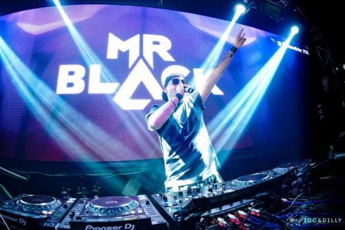 Mr Black/ Piccadilly Osaka/ Feb 22 2020